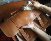Cách làm sạch túi đựng ipad
